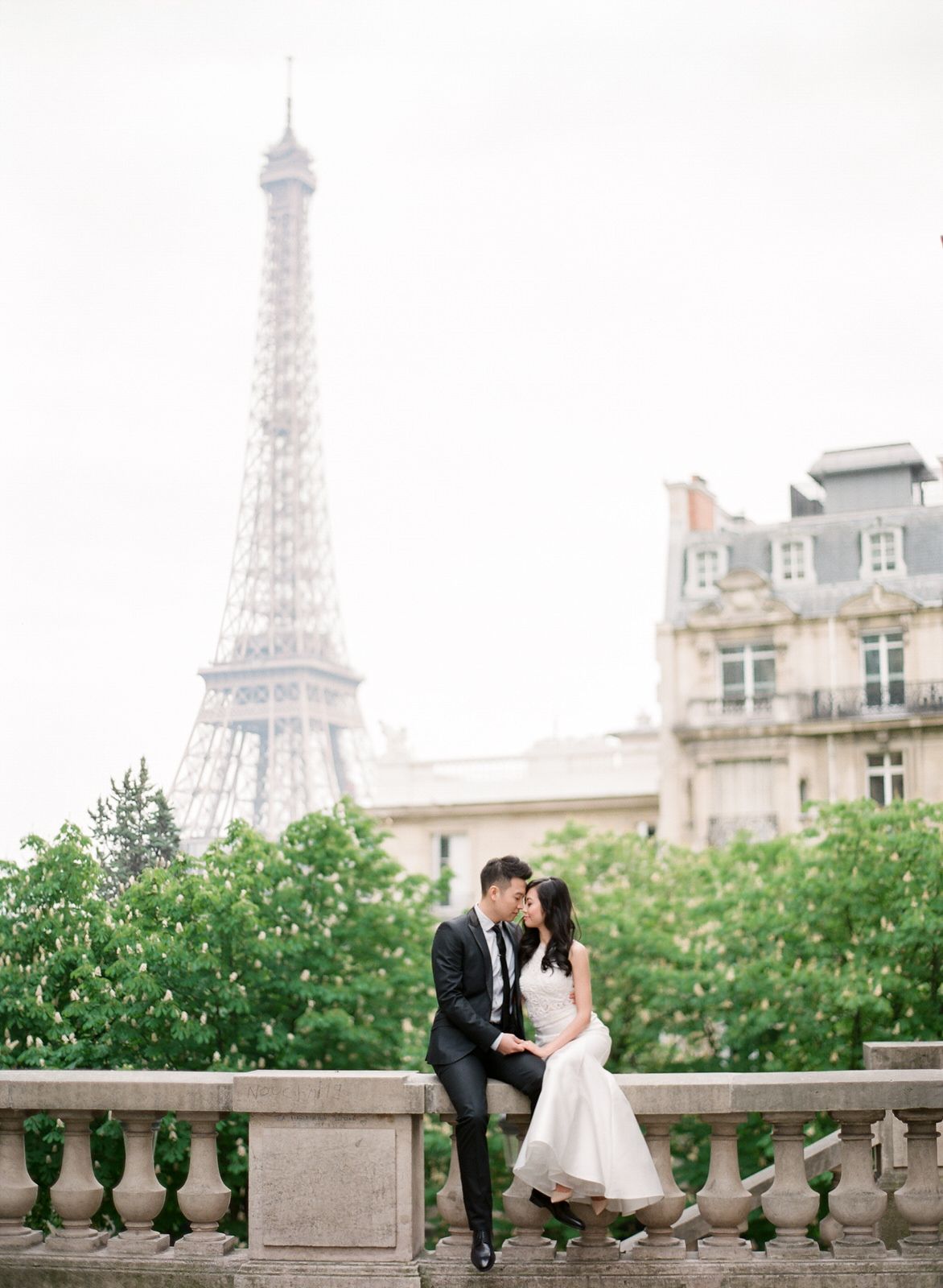 Paris Destination Pre-Wedding | Veronica & Wilson | photo by: AR