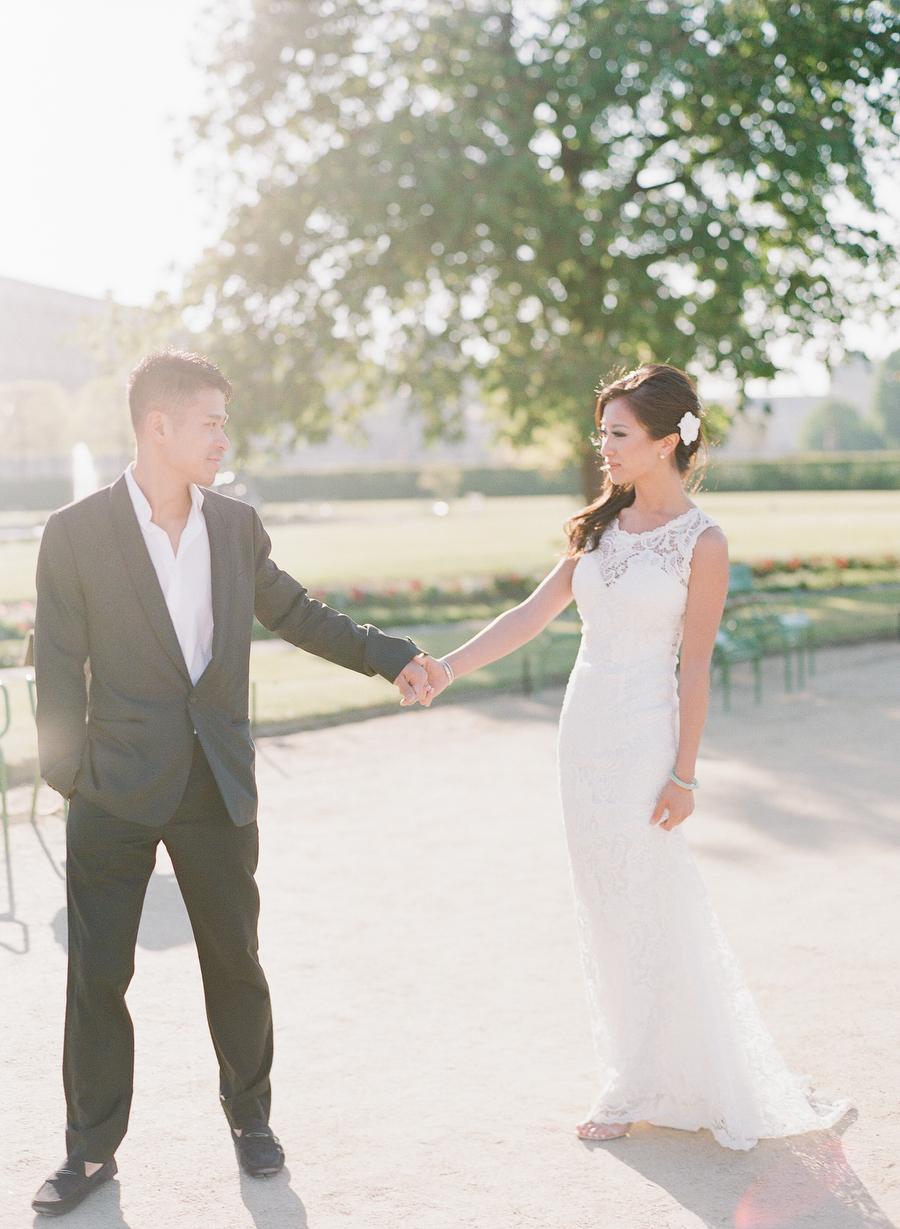 Paris Pre-Wedding Portraits | Destination | photo: ARTIESE